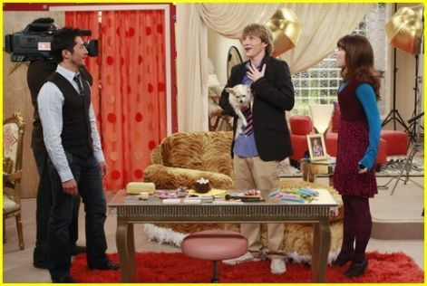 -sonny-with-a-chance-episode-8-fast-friends-demi-lovato-4925264-500-335.jpg